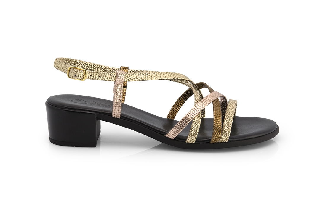 das-produktfoto-damen-schuhe-sandalen-sandaletten-fotograf